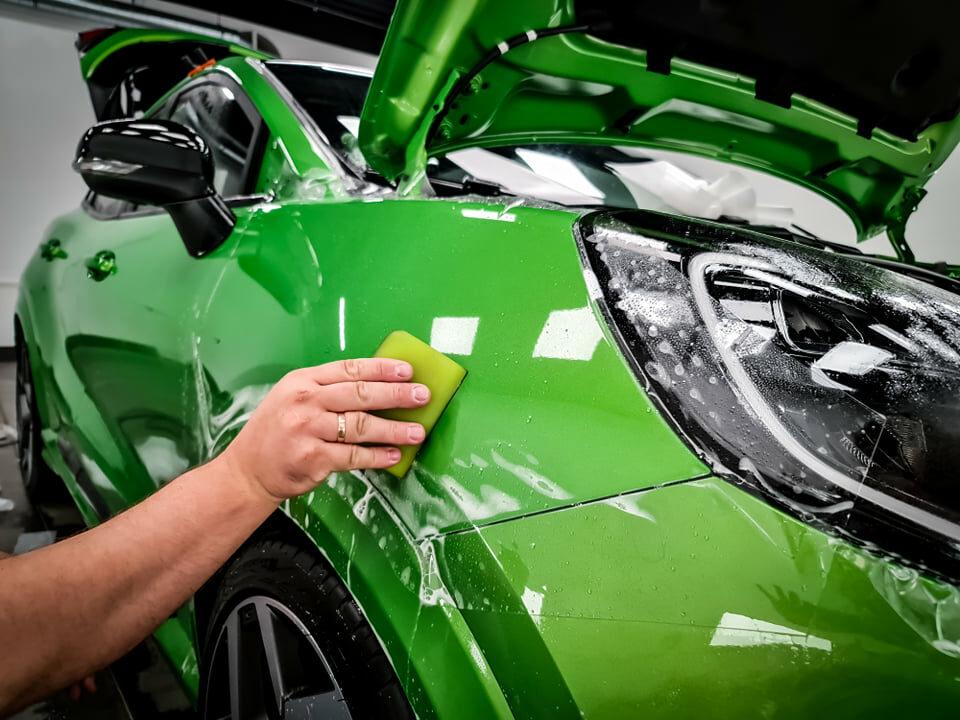 Zabezpieczenie lakieru nowo zakupionego auta